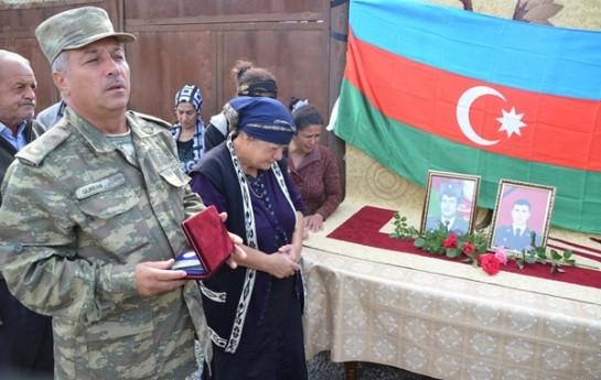 Şəhidimizin medalı anasına təqdim edildi-