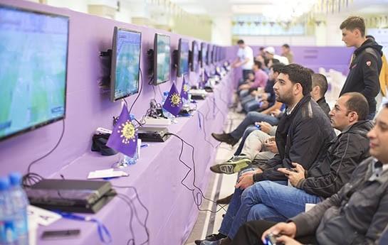 Gənc Ol tarifi çərçivəsində PlayStation FİFA 14 Çempionatının qalibləri bəlli oldu