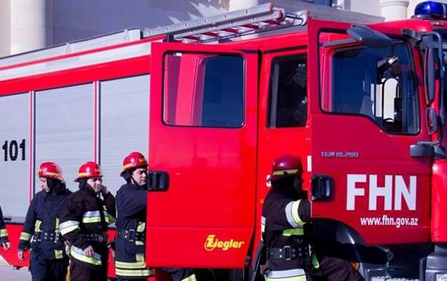 """Avtomobil təmiri sexi və """"VAZ"""" yandı"""
