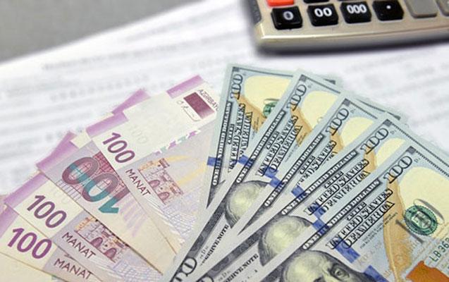 Banklar dolların alış qiymətini aşağı saldı