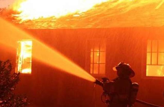 Bakıda 4 otaqlı ev yandı