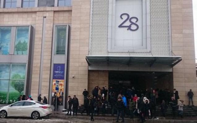 """""""28 Mall"""" hələ də bağlıdır"""