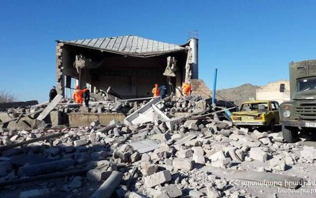 Ermənistanda oksigen stansiyası partladı