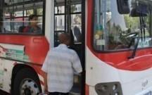 Avtobusun açıq qapısından yıxılıb öldü