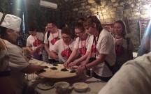 Bakıda turistlər qutab bişirdilər