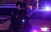 ABŞ-da silahlı şəxs mağazaya basqın edərək polisə atəş açıb