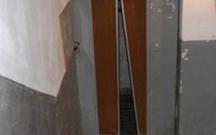 Lift ustası kabinə ilə divar arasında qalıb öldü