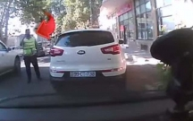 Yol polisindən qeyri-adi xidmət