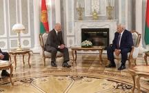 Lukaşenko Oqtay Əsədovla görüşdü