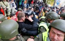 Kiyevdə etirazçılarla polis arasında növbəti qarşıdurma olub