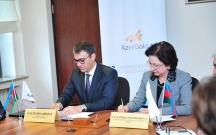 """AzMİU ilə """"AzerGold"""" arasında əməkdaşlıq memorandumu imzalanıb"""