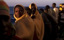 Yunanıstan sahillərində gəmi 40 miqrantla yoxa çıxıb