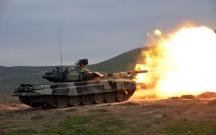 Azərbaycan ordusu tanklardan atəş açdı