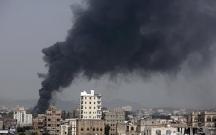 Koalisiya Yəməni bombaladı