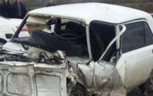 Avtomobillər maneəyə çırpıldılar, 2 ölü var
