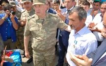 Şəhid əsgərin medalı atasına verildi
