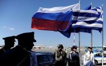 Yunanıstan diplomatları qovdu, Lavrov səfəri ləğv etdi