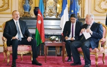 Prezident Fransada Qarabağdan danışdı