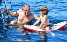 Oğlu çağırdı, Ağaoğlu helikopterlə yanına getdi