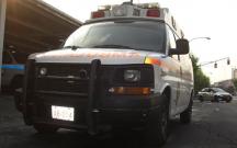 Polis avtomobili yük maşını ilə toqquşdu