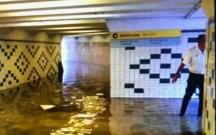 Yağış suları metroya da doldu