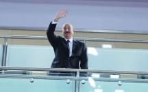 Əliyev yarışları Battulqa ilə izləyir