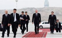 """Prezident Aşqabadda """"Xalq xatirəsi"""" kompleksinə baş çəkdi"""