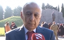 Abutalıbov Heydər Əliyevə şeir həsr etdi