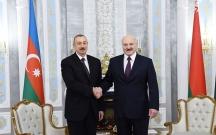 Prezident Lukaşenkoya zəng etdi