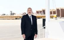 """Prezident """"Qarabağ"""" yatağının dayaq blokunun dənizə yola salınması mərasimində"""