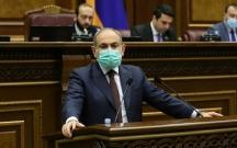 Paşinyan parlamentin iclasına zirehli jiletlə qatıldı