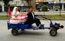 """Azərbaycanlı qız """"muravey""""lə gəlin köçdü"""