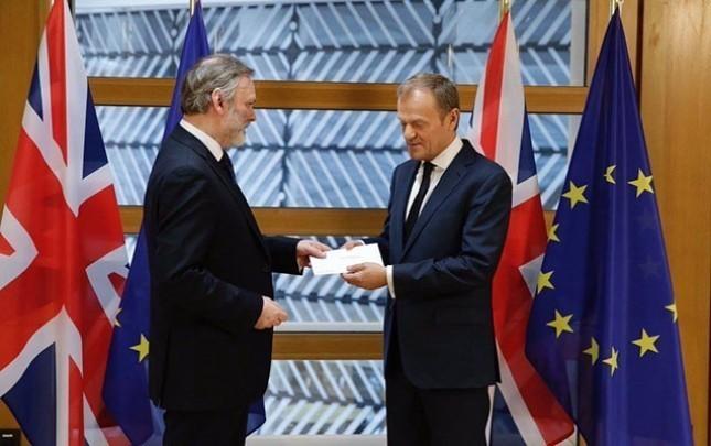 Brexit rəsmiləşir