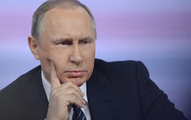 Sahibkar Putinə xiyar turşusu gətirdi