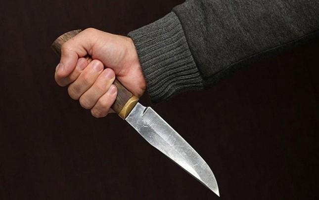 39 yaşlı kişini borca görə bıçaqladılar