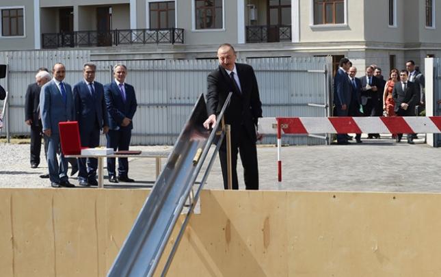 Prezident 3-cü binanın təməlini qoydu