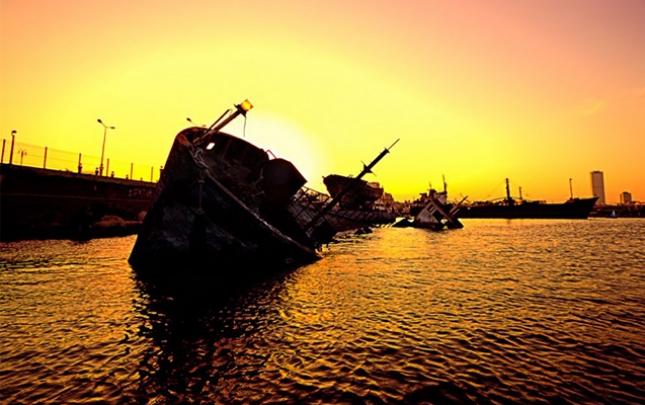 Karib dənizində gəmi aşdı, 22 nəfər itkindir