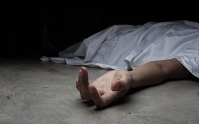 İki azyaşlı nəvəsini öldürüb intihar etdi