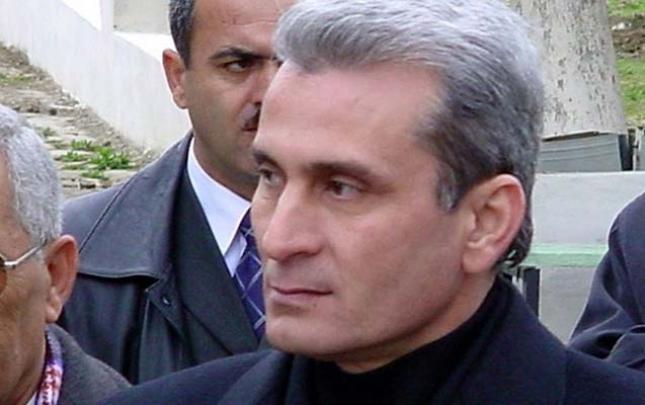 Surət Hüseynov biznes fəaliyyətini dayandırıb?