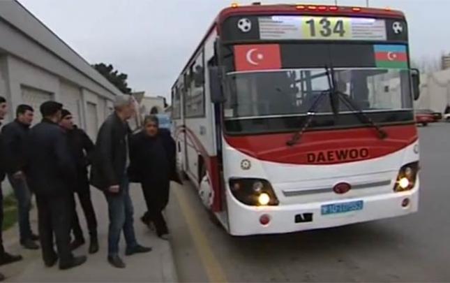 Müfəttişlər avtobusları saxladı, sərnişinlər yolda qaldı