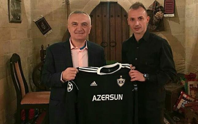 """""""Qarabağ""""ın futbolçusu ölkə prezidenti ilə görüşdü"""