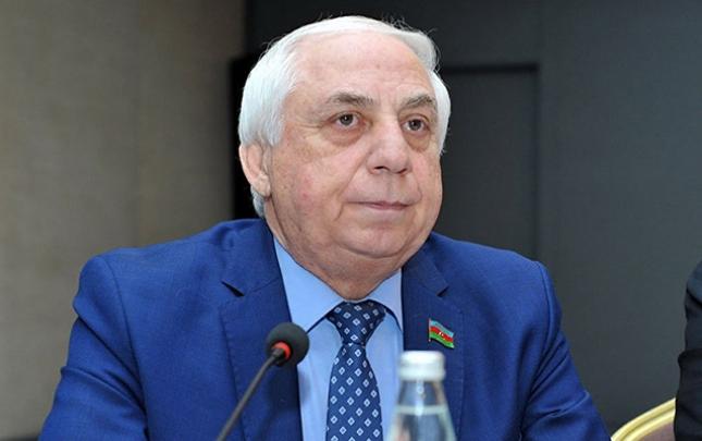 """""""Balalarım bir-birinin paltarını geyirlər"""""""