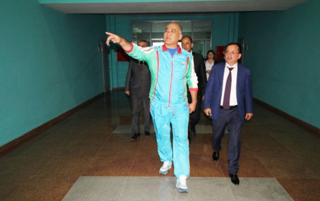 Dünya və olimpiya çempionları bu dəfə icra başçısıyla görüşdü