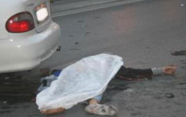 """Sərxoş və """"prava""""sız sürücü piyadanı vurdu"""
