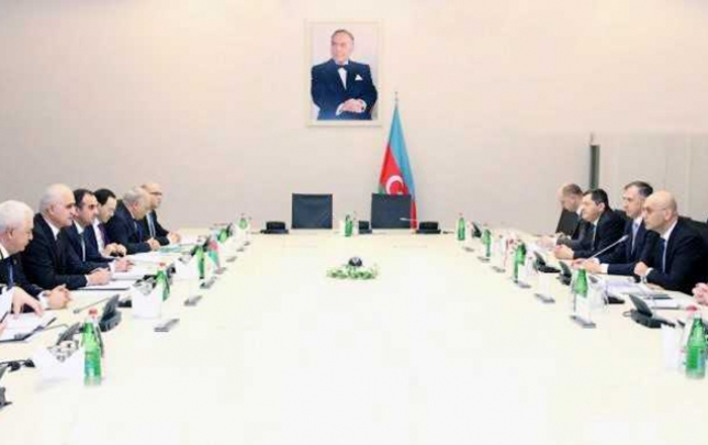 Şahin Mustafayev gürcü nazirlə görüşdü