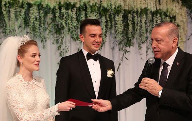 Ərdoğan nikah şahidi oldu