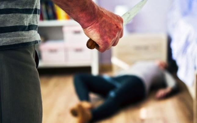 Dayısını bıçaqlayıb öldürdü