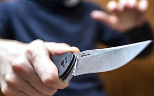 Həmyerlisini boynundan bıçaqlayan tutuldu