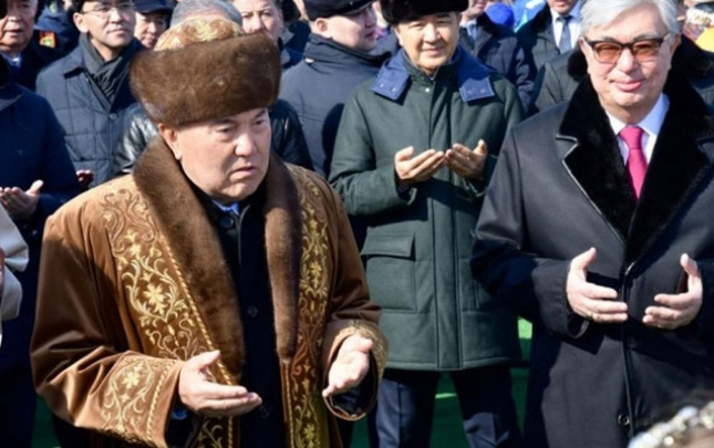 Nazarbayevlə Tokayev Novruz şənliyində