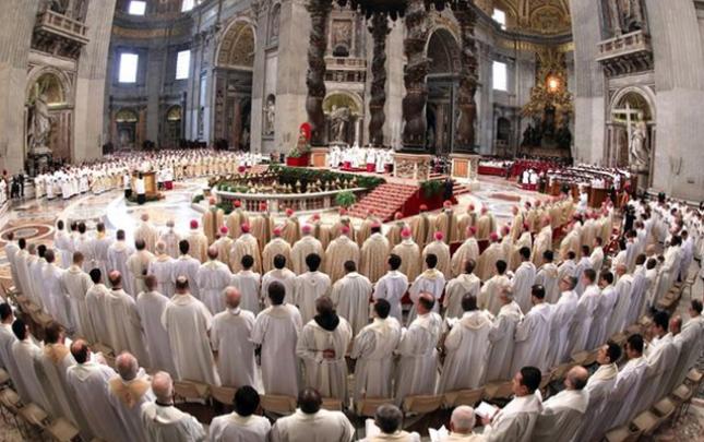 Arxiyepiskop seks qalmaqalına görə istefa verdi